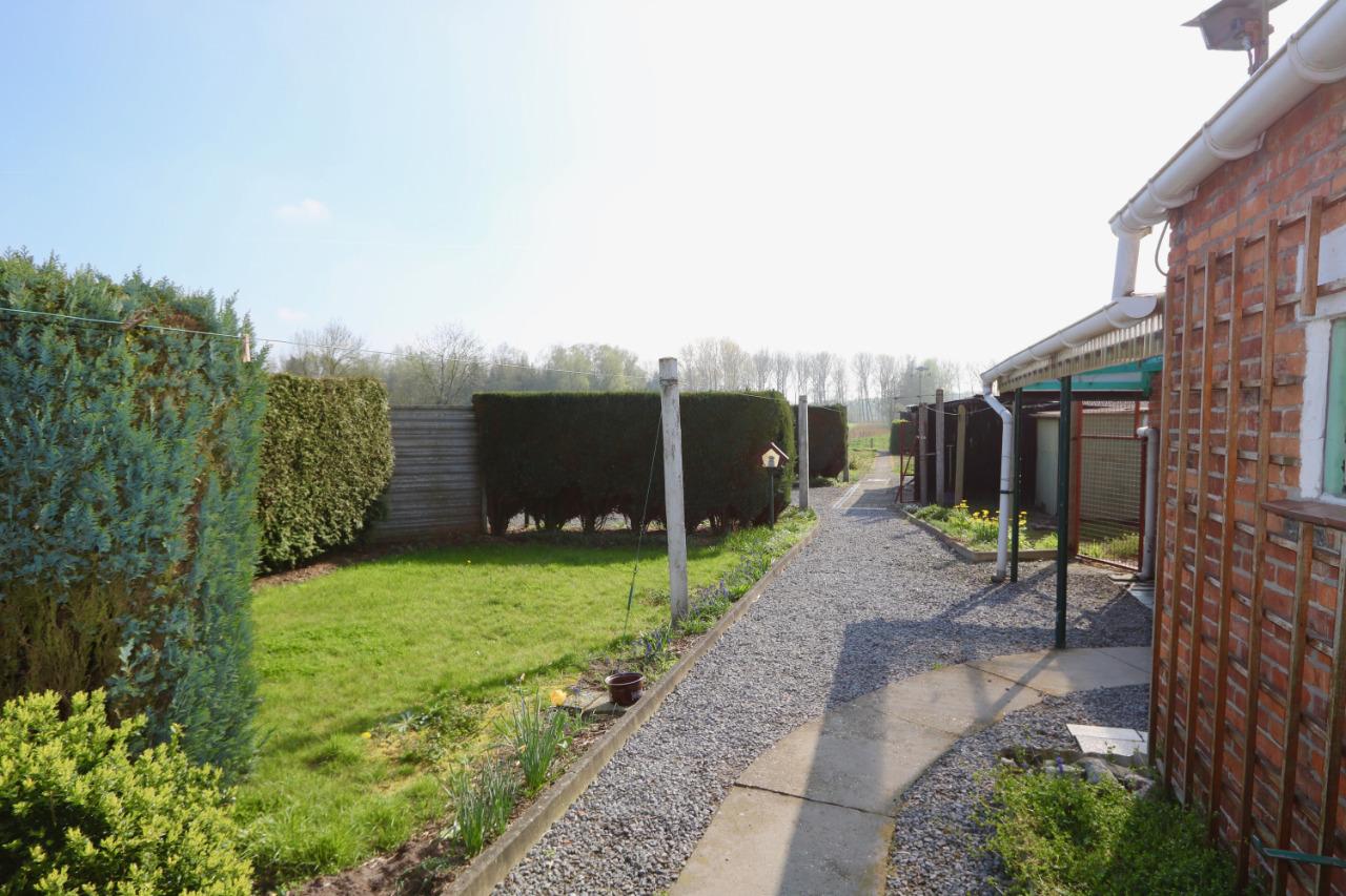 Te renoveren woning met grote tuin vastgoed bulteel for Tuin renoveren