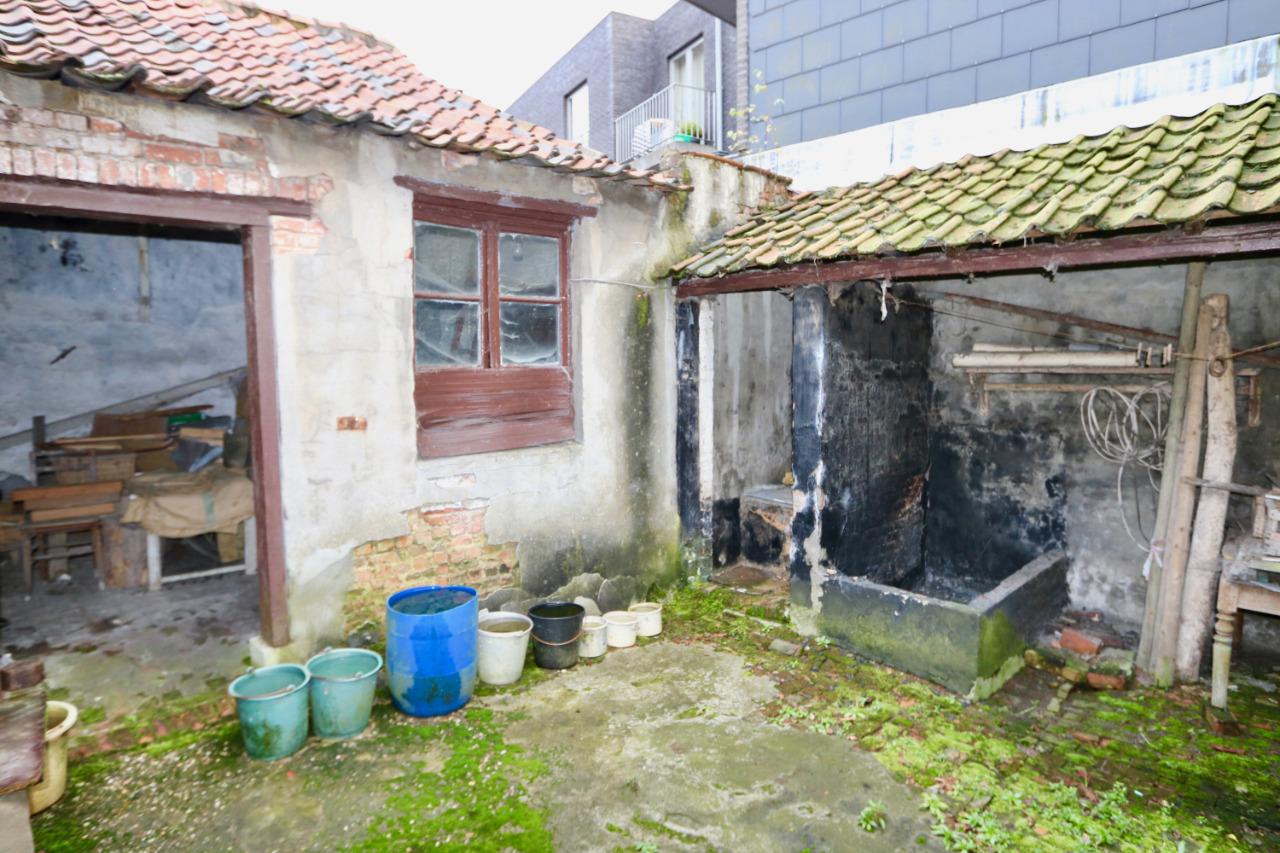 Te renoveren woning met tuin vastgoed bulteel for Tuin renoveren